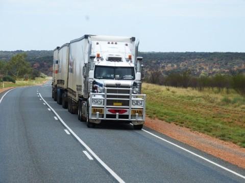 semi-trailers-534577_640