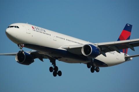 airplane-749542_640